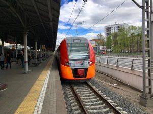 """Изменили местоположение 300 остановок наземного транспорта, чтобы приблизить их к железнодорожной магистрали. Фото: """"Вечерняя Москва"""""""