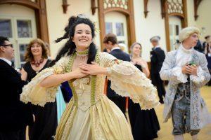 Танцевальный коллектив выступит в центре соцобслуживания. Фото: архив, «Вечерняя Москва»