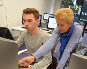 Москвичи помогут выбрать программы обучения для старшего поколения. Фото: Антон Гердо, «Вечерняя Москва»