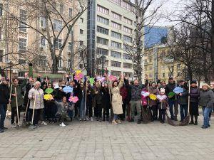 Участники субботника. Фото: Анастасия Аброськина
