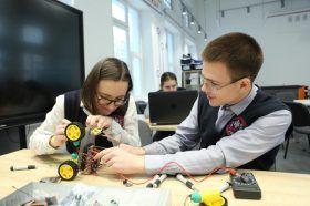 Ученики районной школы поучаствовали в соревновании по робототехнике. Фото: архив, «Вечерняя Москва»