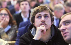 Сотрудники Дома Лосева организуют музыкальное мероприятие. Фото: сайт мэра Москвы