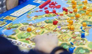 Сотрудники филиала «Наш Арбат» организуют фестиваль настольных игр. Фото: сайт мэра Москвы