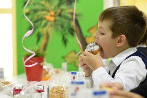 Опрос ВЦИОМ: Две трети родителей довольны качеством школьного питания. Фото: Пелагия Замятина, «Вечерняя Москва»