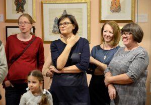 Сотрудники Дома-музея Марины Цветаевой организуют лекцию. Фото: Денис Кондратьев