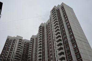 Ремонт проведут в подъездах жилых домов в районе. Фото: Анна Быкова