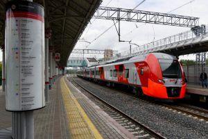 Поезда Московского центрального кольца будут курсировать по графику выходного дня. Фото: Владимир Новиков, «Вечерняя Москва»