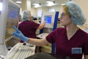 За сутки Москва делает 4 тыс исследований на коронавирус. Фото: Владимир Новиков, «Вечерняя Москва»