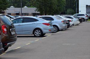 Напоминаем автомобилистам о старте периода продаж абонементов на парковки со шлагбаумом. Фото: Анна Быкова