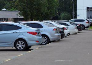 Среднесуточное число парковочных сессий вернулось к уровню прошлого года. Фото: Анна Быкова