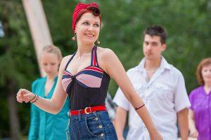 Сотрудники районного центра социального обслуживания «Арбат» возобновили занятия по танцам Фото: сайт мэра Москвы