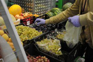 Более 25 тыс кг продуктов доставили москвичам социальные работники. Фото: Светлана Колоскова, «Вечерняя Москва»