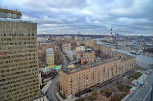 Рост тарифов на услуги ЖКХ с 1 января в Москве будет ниже инфляции. Фото: Анна Быкова