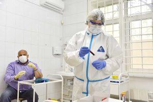 В Москве получить бесплатную прививку от коронавируса смогут основные группы риска. Фото: Пелагия Замятина, «Вечерняя Москва»
