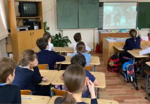 Ученики школы №1234 посетили образовательное мероприятие. Фото с сайта школы