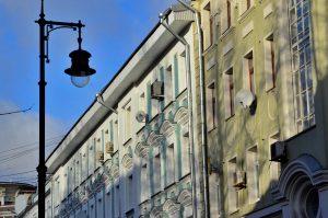 Более 260 крыш отремонтируют в Москве. Фото: Анна Быкова