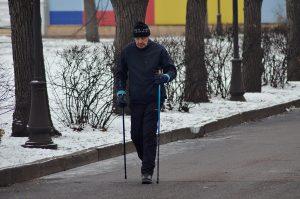 Занятие скандинавской ходьбы проведут сотрудники филиала «Наш Арбат». Фото: Анна Быкова