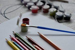 Занятие в рамках творческого кружка организуют представители филиала «Наш Арбат». Фото: Анна Быкова