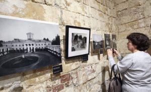 Выставка «Цветные осколки империи» стартовала в районе Арбат. Фото: сайт мэра Москвы