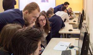 Представители Молодежной палаты района проведут круглый стол для школьников. Фото: сайт мэра Москвы