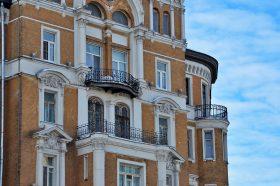 В Москве арендаторы городской недвижимости смогут получить отсрочку обеспечительных платежей. Фото: Анна Быкова