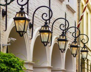 Новые фонари установят во дворах и на территориях образовательных учреждений. Фото: pixabay.com